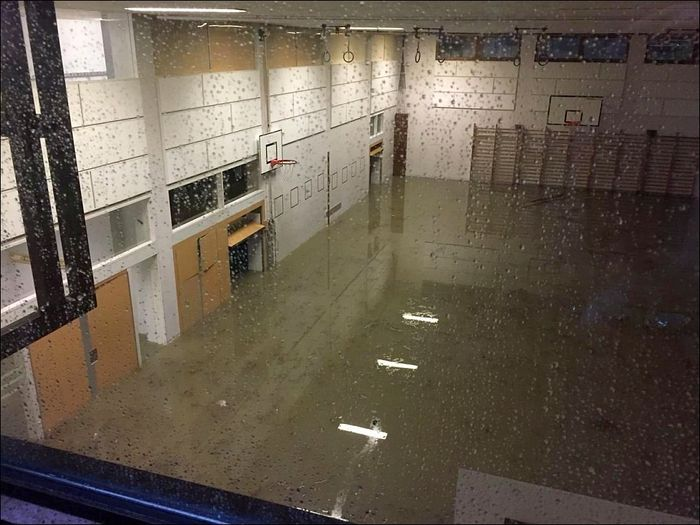 20180608 01 Flood Frauenfeld TG Turnhalle 20Minuten.jpg